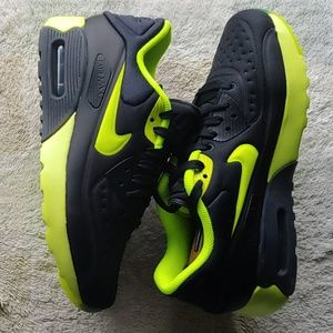 New women's Nike Air Max 90 Ultra